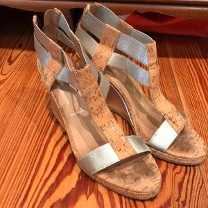 Donald Pliner silver cork wedge size 8.